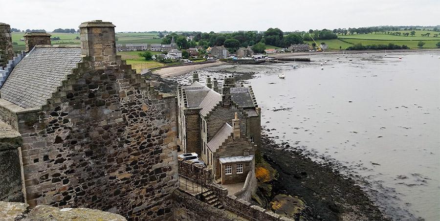 Vue depuis la tour du Blackness Castle