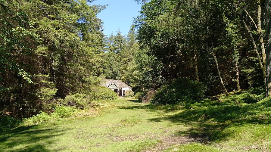 Maison abandonnée de Lady Colquhoun sur l'île d'Inchconnachan